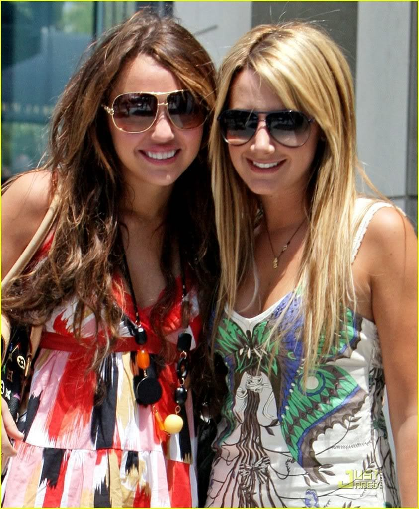 BFF-s-ashley-tisdale-and-miley-cyrus-10058954-843-1024